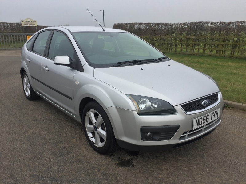 View FORD FOCUS ZETEC CLIMATE