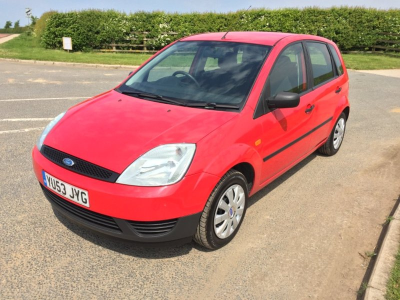 View FORD FIESTA FINESSE 16V, MOT 31-01-2019, 9 SERVICE STAMPS, 1 FORMER KEEPER,