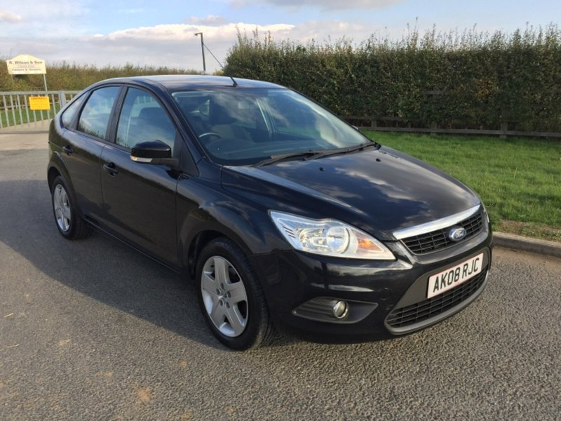View FORD FOCUS STYLE, MOT OCTOBER 2019, 8 Service Stamps,